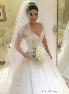 H1646 Feminine sweetheart princess wedding dresses ball gowns