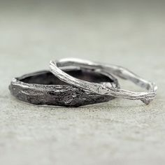 Quirky but awesome rings; good symbol of growing love! #silverweddingring #silverrings #silversing