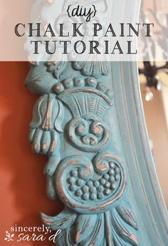 DIY chalk paint tutorial - an awesome mirror makeover using chalk paint. I love this idea and I love using chalk paint for crafts Chalk Paint Tutorial, Using Chalk Paint, Chalk Paint Projects, Chalk Paint Furniture, Diy Projects, Furniture Design, Furniture Wax, Furniture Refinishing, Funky Furniture