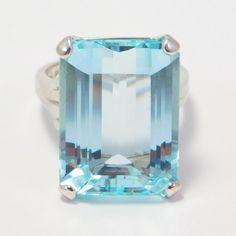 Retro Estate 14K 18 Carat Emerald Cut Aquamarine Ring