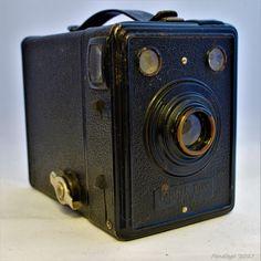 Kodak Box 620 - Full metal body with leatherette trim (1936-1937)