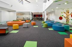 Schools with a splash of color is part of children School Interior - The architects smith+tracey created a design solution for the St Mary's Primary School in Greensborough Victoria that was creative and colourful for the children and the teachers Modern Classroom, Classroom Design, Music Classroom, School Classroom, Learning Spaces, Learning Environments, Primary School, Elementary Schools, Elementary Library