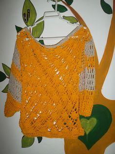 Remera al crochet color maiz y beige mangas al codo en hilo de algodon