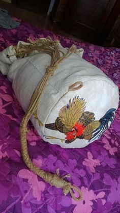 Completely hand sewn Sailor Sea Bag with painted rooster motive. Material: 100% Homespun linen fabric, painted leather bottom, hemp rope, metal eyelets.