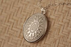 53 Best Beautiful Lockets Images Lockets Jewelry Ancient Jewelry