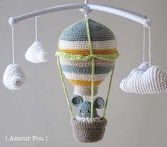 Note: This hot air balloon measures 15 cm approximately. Of course should you choose a different hook or yarn calling, measu...