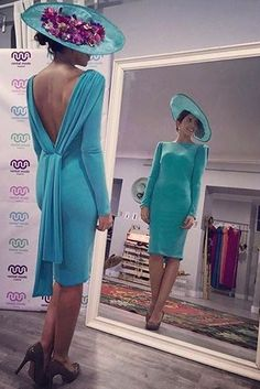 Amazing blue dress and hat lady style Mode Orange, Dame Chic, Blue Dresses, Prom Dresses, Derby Outfits, Fashion Project, The Dress, Elegant Dresses, Mother Of The Bride