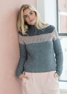 Great idea for a top down raglan sweater. rib with 3 colors; dark slate blue, light slate blue (MC) and off white. Sweater Knitting Patterns, Cardigan Pattern, How To Purl Knit, Knitwear, Knit Crochet, Sweaters For Women, Turtlenecks, Knits, Crafts