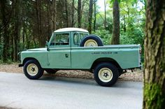 This Vintage Land Rover Stage One V8 = The Perfect Adventuremobile - Airows