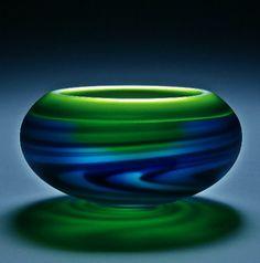 How To Make Sea Glass art - Glass art Drawing Broken - Fantasy Stained Glass art Videos - Stained Glass art Videos Fish Glass Ceramic, Mosaic Glass, Fused Glass, Stained Glass, Art Of Glass, Blown Glass Art, Glass Vase, Art Du Monde, Glas Art