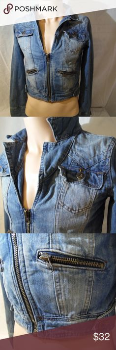 "Lee Cooper Vtg Cropped Denim Jean Jacket Large Pre owned in excellent condition. moderately worn.  distressed vintage look..  light visible wear in various areas.. 19"" armpit to armpit  24"" sleeve,  19"" long. Lee cooper Jackets & Coats Jean Jackets"
