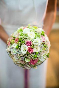 Bouquet // rund / Weiß / Grün / Pink