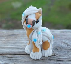 D'oro – wee pony 2018 (custom order) – Air Dry Clay Polymer Clay Figures, Polymer Clay Sculptures, Cute Polymer Clay, Polymer Clay Animals, Cute Clay, Polymer Clay Projects, Polymer Clay Charms, Polymer Clay Creations, Sculpture Clay