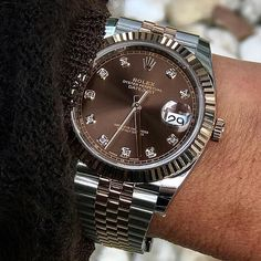 Rolex Datejust swiss-automatic mens Watch 16234 (Certified Pre-owned) Stylish Watches, Luxury Watches For Men, Cool Watches, Rolex Watches, Man Watches, Rolex Boutique, Swiss Army Watches, Rolex Datejust, Apple Watch Bands