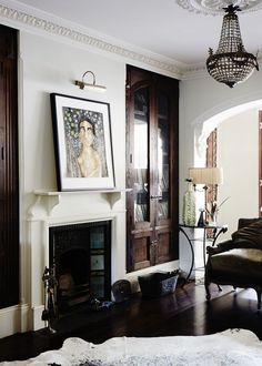 dark built-ins against white. photocredit: Sean Fennessy for The Design files Living Room With Fireplace, Living Room Decor, Living Spaces, Living Rooms, Fireplace Mantel, Style At Home, Built In Cabinets, Dark Cabinets, The Design Files