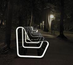 Duurzaam straatmeubilair: recycled, LED lightning, sensortechnologie en zonne-energie.