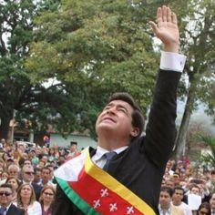 #ATENCIÓN el Alcade Daniel Ceballos Ronni Pavolini acaba de llevárselo el SEBIN en caracas. Según su Asistente :: pic.twitter.com/AkGxs5AFhV