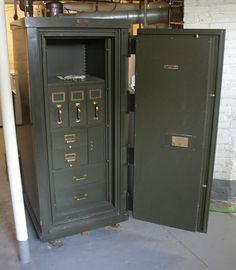 Antique Safes: General Fireproofing floor safe, yale lock, insulation material