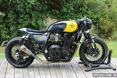 Yamaha Cafe Racer, Yamaha Xjr 1300, Jeep, Custom Motorcycles, Scrambler, Bobber, Motorbikes, Café Racers, Vehicles