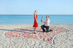 TOP 20 Heiratsantrag-Ideen Hier findet ihr die romantischsten und verrücktesten Heiratsantrag Ideen - vom personalisierten Kreuzworträtsel bis zum Heiratsantrag im Kino.