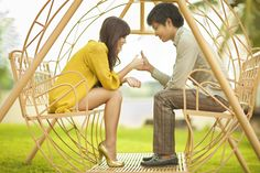 thumb war - great idea for playful couples