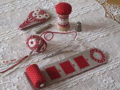 http://www.mamiloucreations.com/article-pantoufle-de-brodeuse-et-accessoires-106180183.html