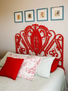 Red Wicker Headboard - Home Interior bedrooms design Red Headboard, Wicker Headboard, Wicker Bedroom, Bedroom Headboards, Wicker Couch, Wicker Trunk, Wicker Table, Wicker Baskets, Beautiful Interior Design