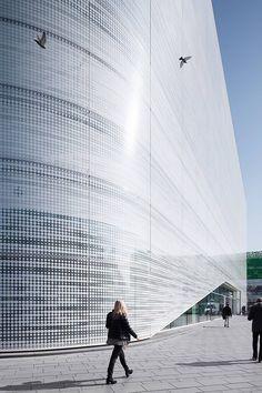 Forum Confluentes | CROSS Architecture Museum Architecture, Green Architecture, Architecture Details, Atrium, Masterplan, Amsterdam, Building Skin, Tourist Center, Metal Facade