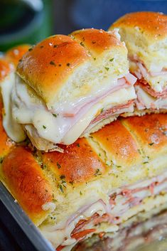Simple and super easy Italian Slider recipe to feed a crowd! - My Recipe Magic #sandwich #quick #easy #snack #lunch