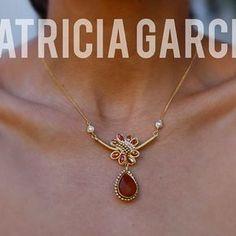PG Cadenita con gota calcedonia, perlas y cristales #patriciagarciaaccesorios #chapadeoro #jewerly #joyeriaartesanal #moda #necklace #mexicocreativo #fashion #winter #artemexicano #losmochis #sinaloa
