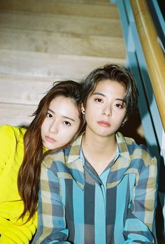 f(x) [4 WALLS] Teaser - Krystal & Amber - my two favorites