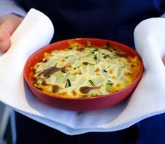 Die feine Säure der Tomaten sorgt dafür, dass diese Lasagne kaum leichter schmecken kann – man kann sich fast nicht satt essen daran.