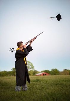 senior photos, senior pictures, senior, ideas for senior photoshoot, senior shooting cap, senior hunter, senior gun