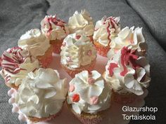 Muffin, Fondant, Cupcakes, Pudding, Recipes, Food, Macaron, Easy Meals, Cupcake Cakes