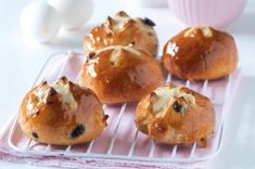 Šlehačkový beránek | Apetitonline.cz Muffins, Menu, Breakfast, Recipes, Food, Lemon, Menu Board Design, Muffin, Meal