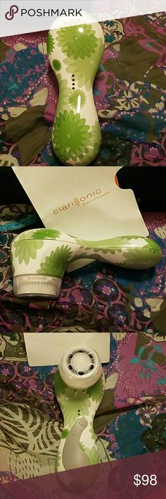 Clarisonic Plus rare print Green Floral limited edition print comes with new brush head Clarisonic plus with no box. Gently used we'll come with dockingcharger and travel size Clarisonic face wash authentic serial number on the bottom of the Clarisonic. Retails for $240. Print no longer available in stores. Clarisonic Other