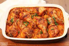 Kurczak pieczony na ryżu, który robi się sam [PRZEPIS] - Kulinarna Polska | Gotowanie i jedzenie Veg Recipes, Chicken Wings, Poultry, Catering, Food And Drink, Favorite Recipes, Sweets, Meat, Dinner
