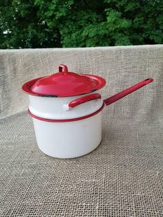 White And Red Enamelware Double Boiler Pot with Lid Vintage Enamelware, Vintage Kitchenware, Small Herb Gardens, Red Kitchen, Kitchen Ideas, Double Boiler, Food Scale, Red Accents, Vintage Recipes