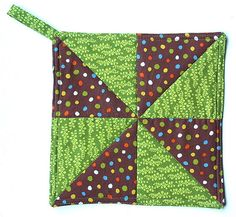 Pinwheel potholder by twiddletails {easy quilting}