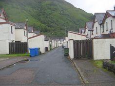 Opkomst en neergang van een elektrisch dorp - Woningen, Kinlochleven, Schotland.