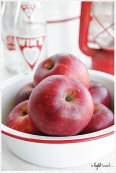 a creative mint - vignettes of color - red & white Apple Tree, Red Apple, Apple Farm, Apple Orchard, Apple Harvest, Apple Valley, Red Cottage, Simply Red, Red Kitchen
