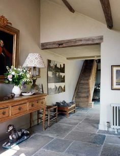 Discover hallway ideas on HOUSE - design, food and travel by House & Garden, including Robin Muir's South Downs house. Love this contemporary design for a farm/country house Flagstone Flooring, Slate Flooring, Kitchen Flooring, Slate Floor Kitchen, Stairs Kitchen, Style Cottage, Style At Home, Hallway Flooring, Ikea Hallway