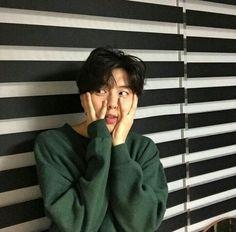 Ulzzang discovered by Lin on We Heart It Kim Hyun, Hyun Woo, Asian Boys, Asian Men, Pretty Boys, Cute Boys, 3 Boys, Park Hye Min, Katsuki Yuri