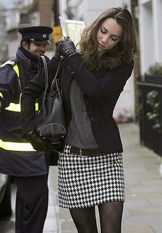 Princess Kate in a houndstooth mini and patterned tights! - Princess Kate in a houndstooth mini and patterned tights! – Princess Kate in a houndstooth mini and patterned tights! Mode Outfits, Winter Outfits, Casual Outfits, Fashion Outfits, Womens Fashion, Ski Outfits, Black Outfits, Skirt Fashion, Mode Style