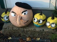 halloween pumpkins No carve Gru amp; Minion pumpkins - Despicable Me - easy Halloween Pumpkin ideas - Soirée Halloween, Adornos Halloween, Holidays Halloween, Halloween Pumpkins, Halloween Minions, Funny Pumpkins, Halloween Season, No Carve Pumpkin Decorating, No Carve Pumpkin Ideas