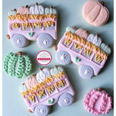 *decorated by @sugerysplendid. Decorated cookies are a great dessert idea for all occasions: - Birthdays - Parties - Thanksgiving Parties Material: Our cookie cutters are all made with food-safe material. It is a biodegradable plastic from renewable, natural resources. We use Food safe PLA Filament. Care: Hand wash only and please don't put the Cutter in the dishwasher or near hot objects. #thanksgiving #dessertideas #cookiecutters