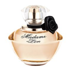 O perfume feminino Madame In Love Eau de Parfum da marca La Rive é uma maravilhoso floral que transmite um luxuosidade e modernidade. Madame in Love é uma fragrância inspirada nas princesas do passado, presente e futuro, com um toque de poder e sensualidade.