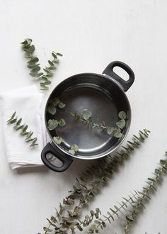 Natural Remedy Get Well Kit + DIY Eucalyptus Steam | HelloGlow.co Cold And Cough Remedies, Flu Remedies, Herbal Remedies, Health Remedies, Holistic Remedies, Natural Remedies For Allergies, Allergy Remedies, Natural Home Remedies, Allergy Symptoms