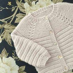 Image of Rillo Og Hyggen Str .: 0 – months, Image of Rillo Og Hyggen Str .: 0 – months, Image of Rillo Og Hyggen Str .: 0 – months, Image of Rillo Og Hyggen Str … Baby Cardigan Knitting Pattern Free, Baby Boy Knitting Patterns, Baby Sweater Patterns, Knitted Baby Cardigan, Knit Baby Sweaters, Toddler Sweater, Knitting For Kids, Girls Sweaters, Crochet Poncho