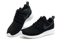 Classic Nike Roshe Run Yeezy Mens Black Sliver UK Uk Professional Cheap Pice